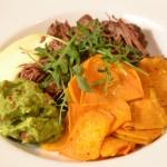 Laga Paleo – Pulled Beef, guacamole, aoli och sötpotatisgratäng