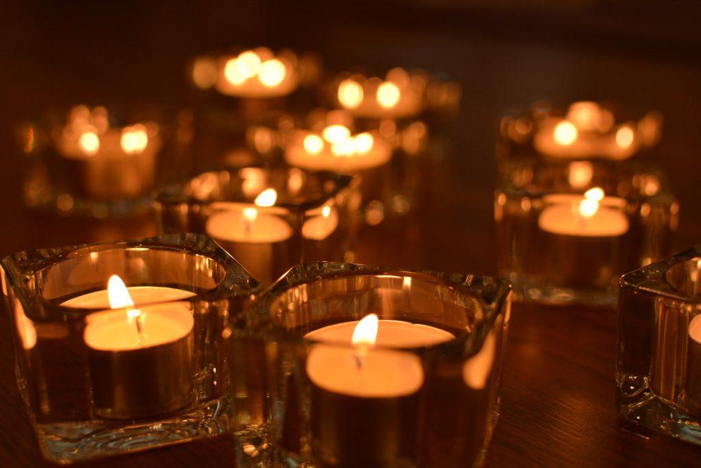 candle-1063429_1920